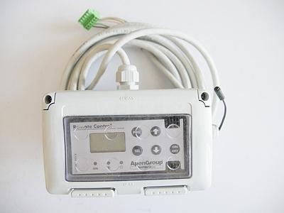 Multifinkční termostat pro jednotky PL a PC. (C09650)